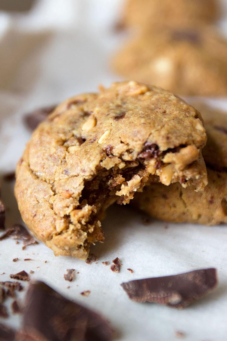 Flourless Peanut Butter Cookies  Flourless Peanut Butter Chocolate Chunk Cookies Sprinkle