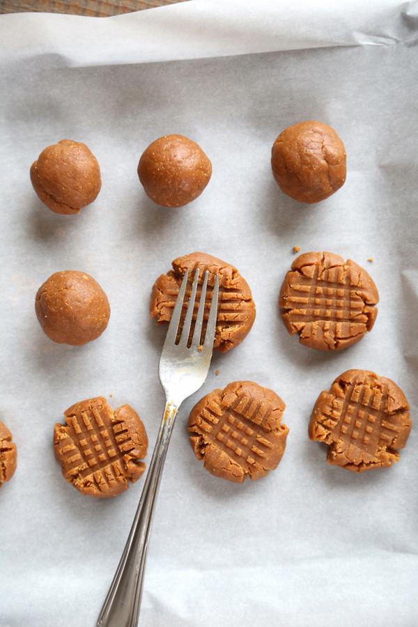 Flourless Peanut Butter Cookies  Flourless Peanut Butter Cookies Recipe