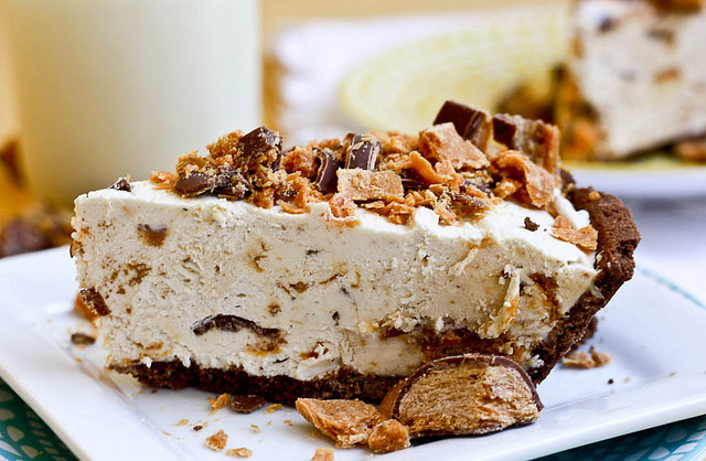 Frozen Peanut Butter Pie  Frozen Peanut Butter Butterfinger Pie I d Rather Be At