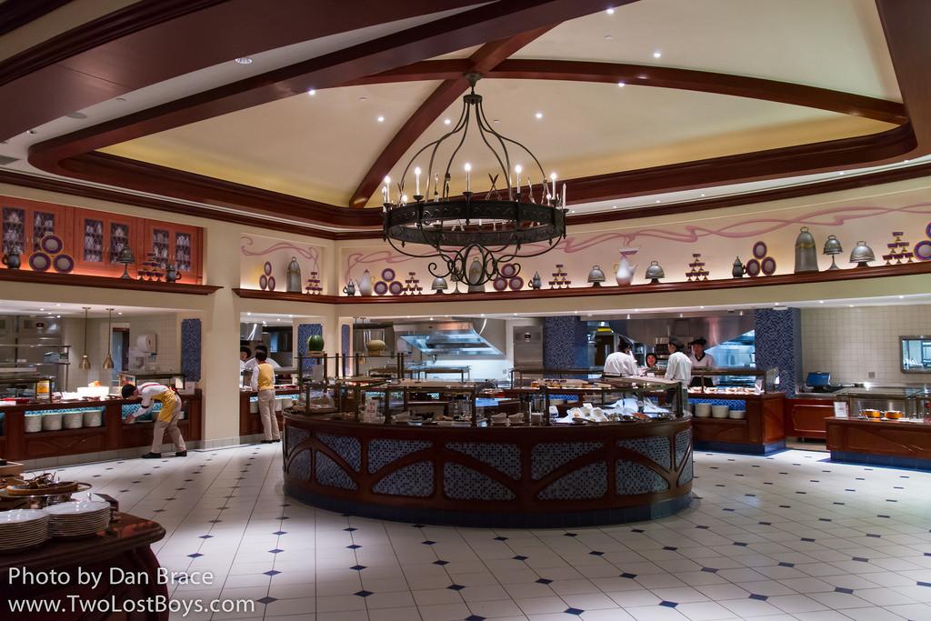 Goofy'S Kitchen Dinner  Disney Hotels With Kitchen growswedes