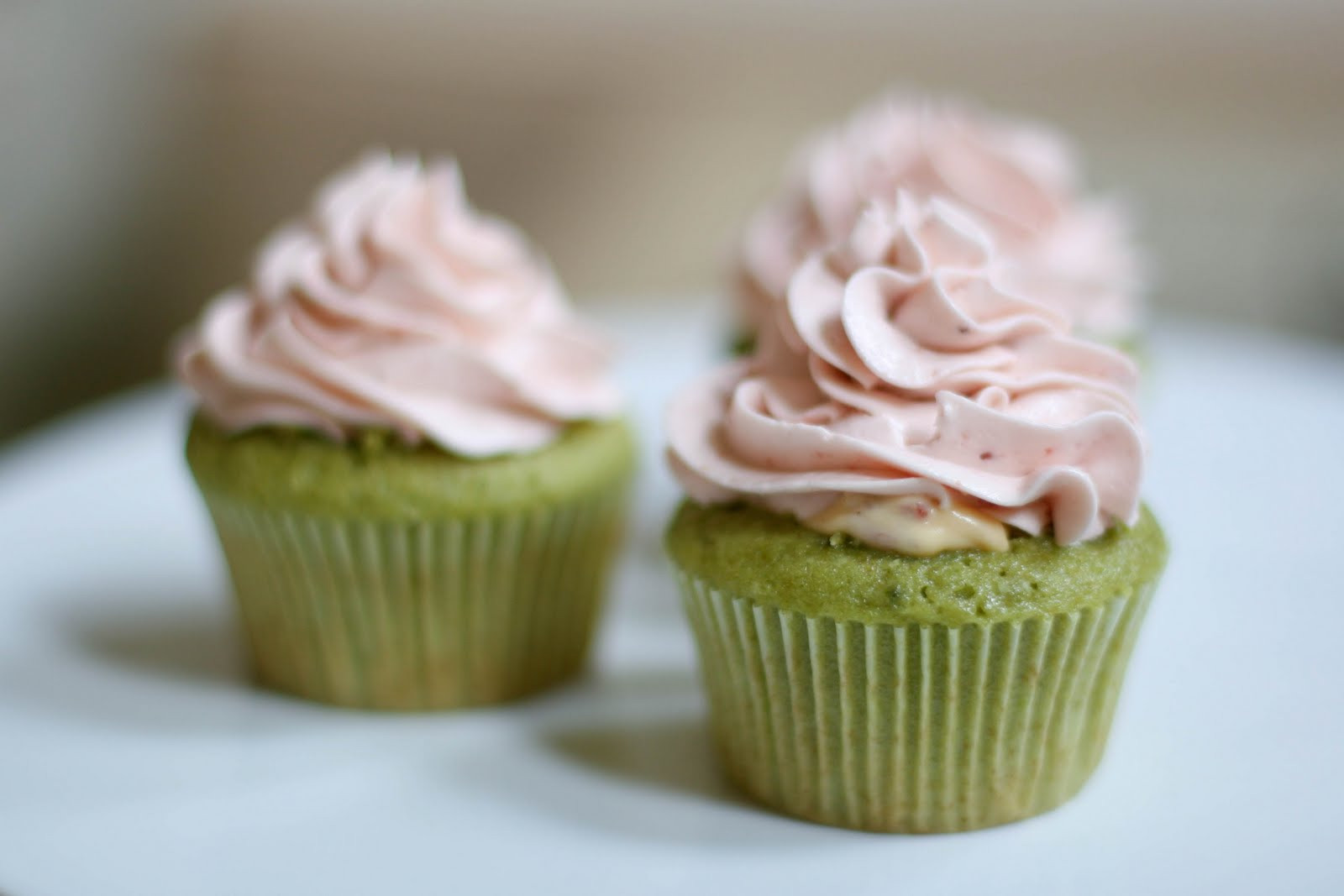 Green Tea Cupcakes  Une deux senses Green Tea & Strawberry Cupcakes