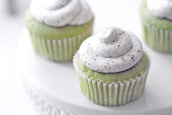 Green Tea Cupcakes  green tea cupcakes with black & white frosting