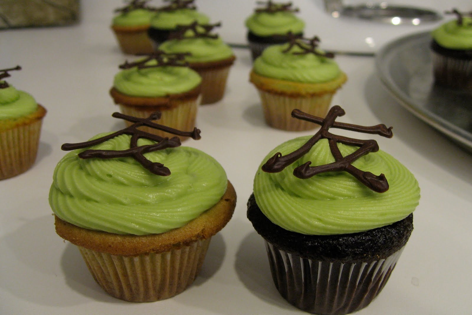 Green Tea Cupcakes  Sugar Swings Serve Some mini chocolate & green tea cupcakes