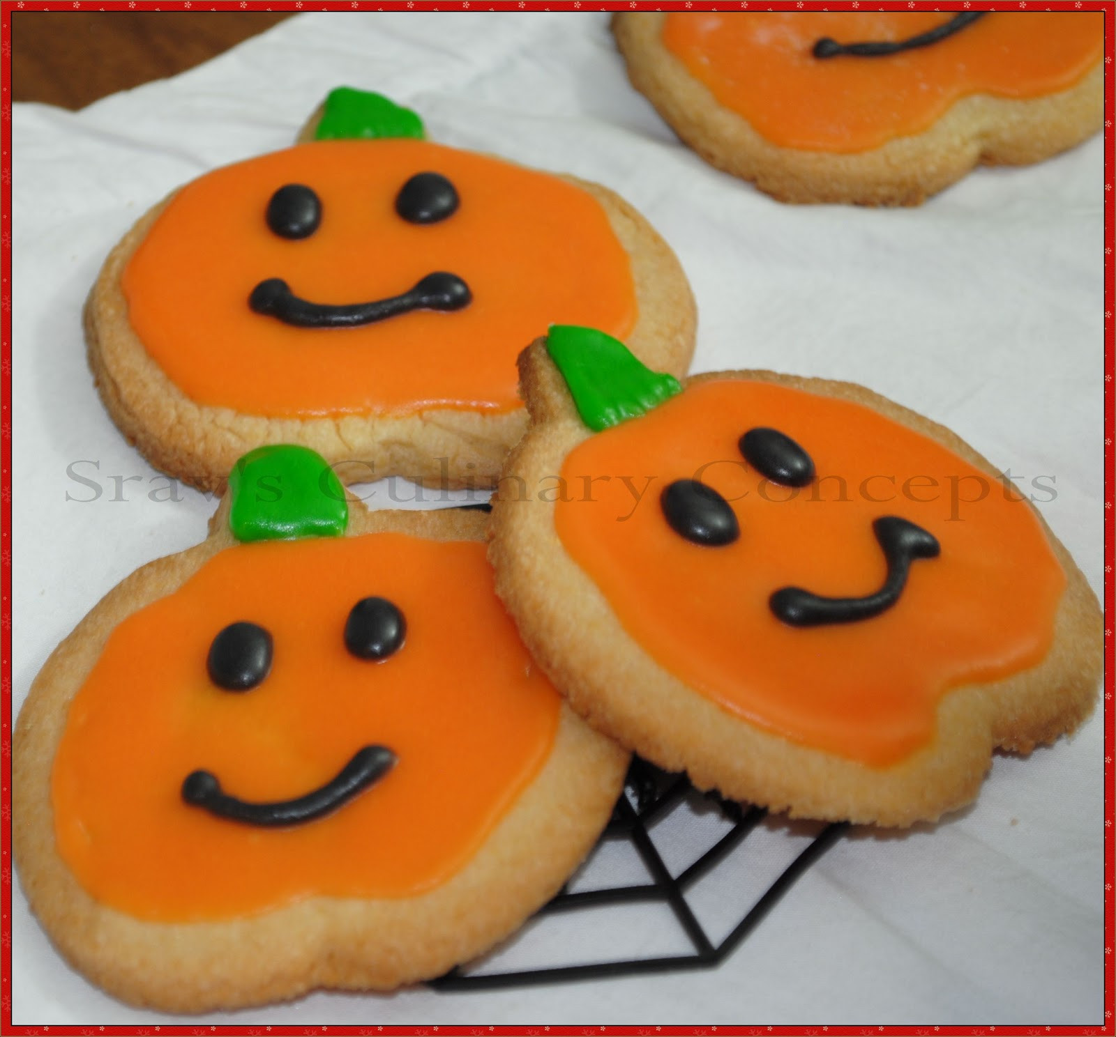 Halloween Sugar Cookies  Srav s Culinary Concepts Halloween Sugar Cookies with