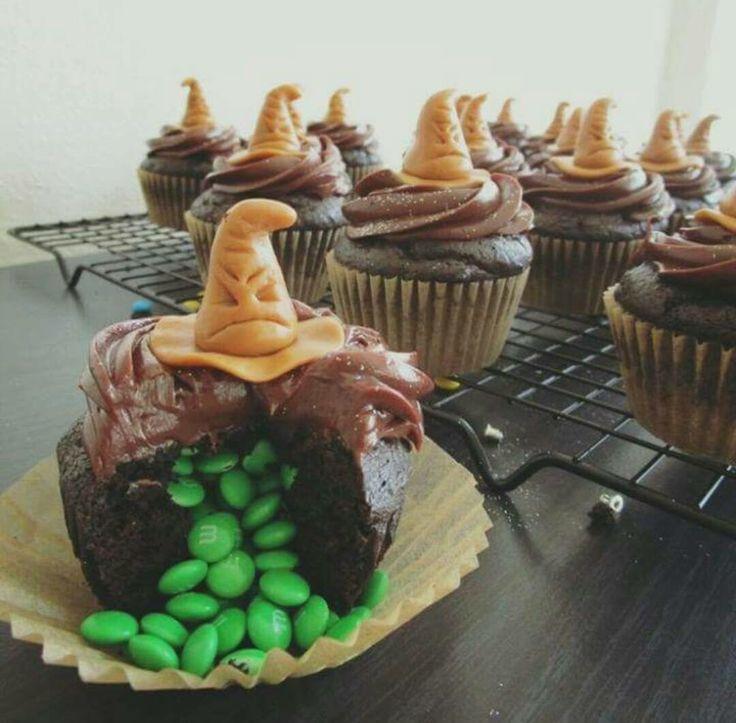 Harry Potter Desserts  Best 20 Harry potter snacks ideas on Pinterest