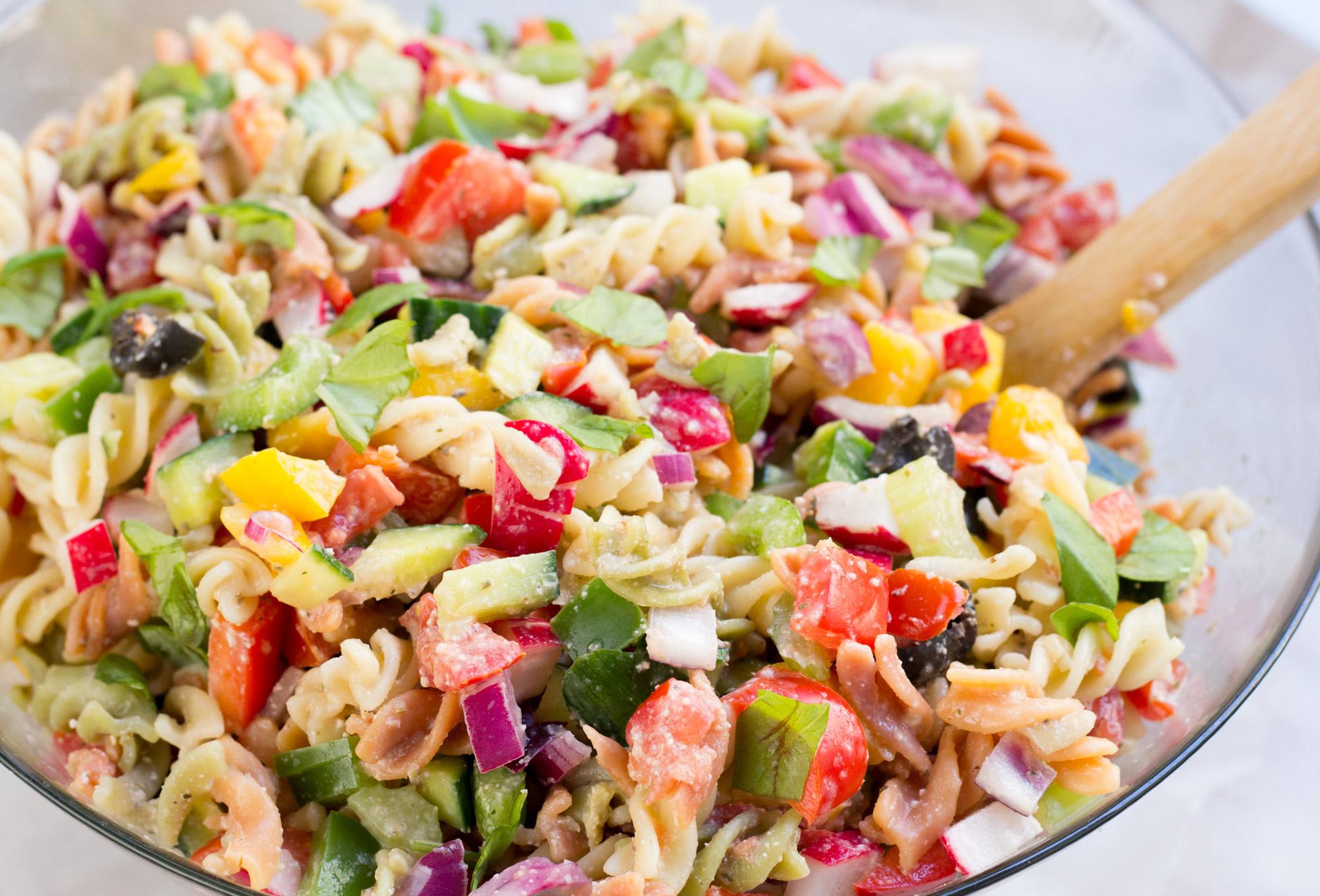 Healthy Pasta Salad  Healthy Rainbow Pasta Salad