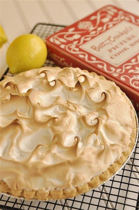 Homemade Lemon Meringue Pie  Homemade Lemon Meringue Pie Great tutorial