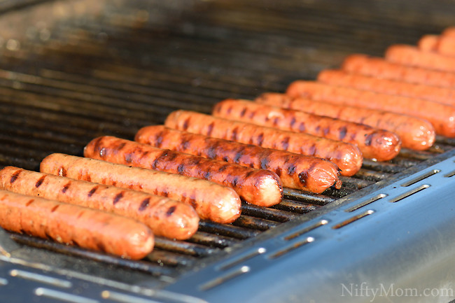 How Long To Grill Hot Dogs  An Easy Hot Dog Bar Idea for a Grilling Party