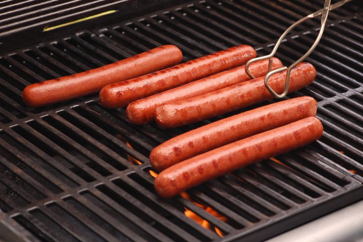 How Long To Grill Hot Dogs  Hot Dogs What They Do to Your Body