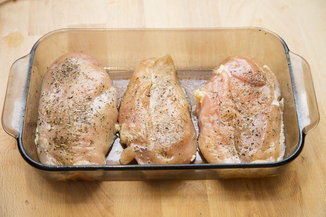 How Many Chicken Thighs In A Pound  How to Bake e Pound of Chicken Breast at 375 Degrees