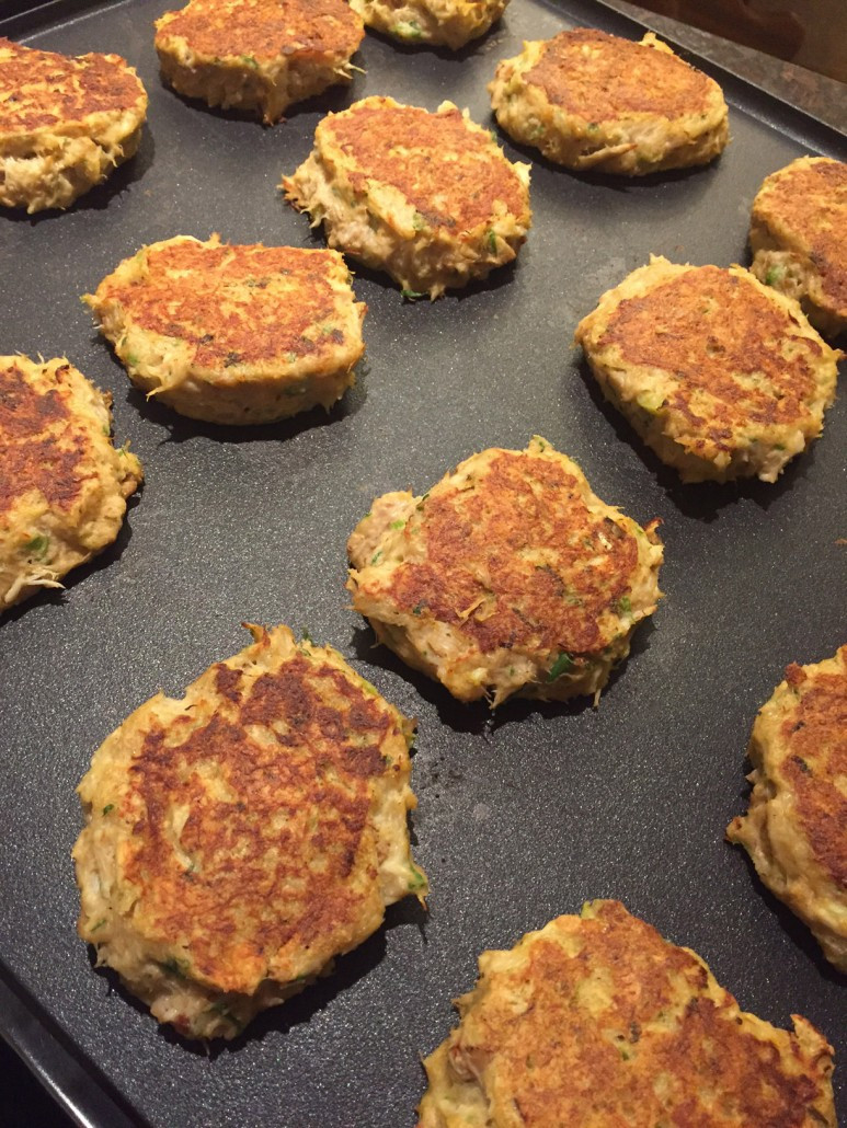 How To Cook Crab Cakes  How To Make Crab Cakes That Don't Fall Apart – Easy Recipe