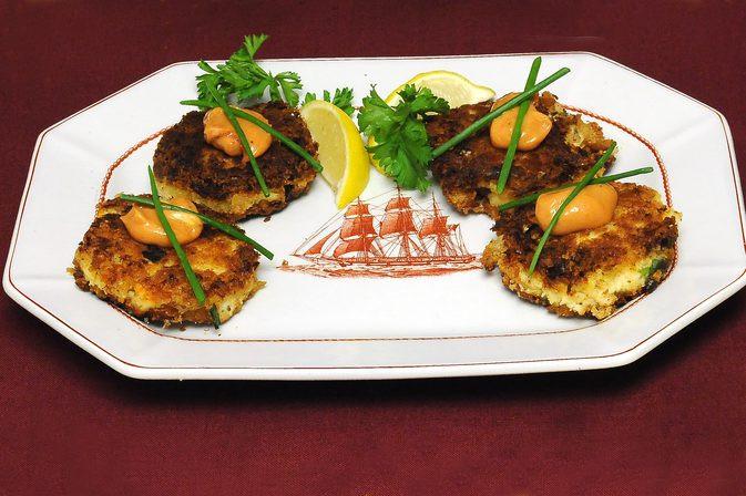 How To Cook Crab Cakes  How to Cook Crab Cakes in a Frying Pan