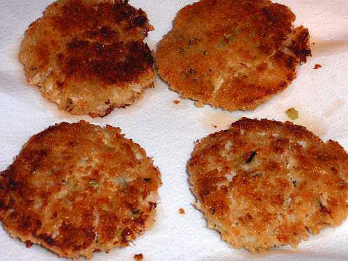 How To Cook Crab Cakes  How To Make Crab Cakes