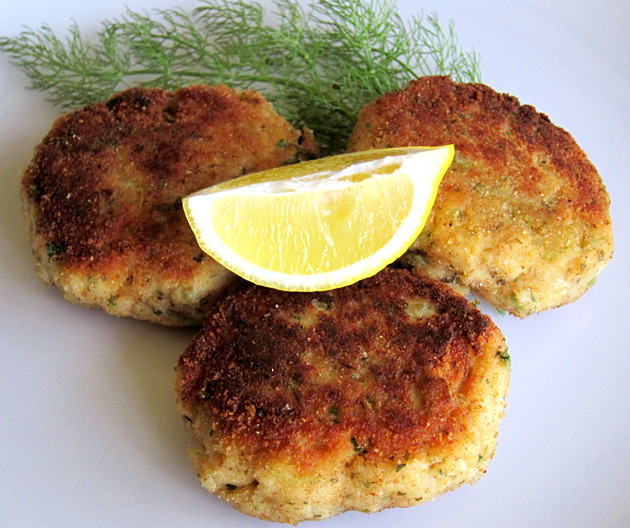 How To Cook Crab Cakes  How To Make Crab Cakes Hilah Cooking