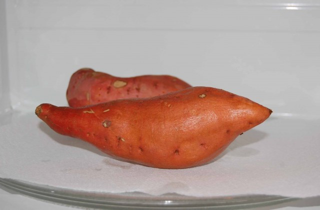 """How To Cook Sweet Potato In Microwave  How to """"Bake"""" a Sweet Potato in the Microwave"""