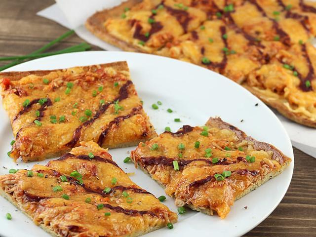 Keto Chicken Crust Pizza  Keto Bbq Chicken Pizza Dairy Free Crust Keto Recipes
