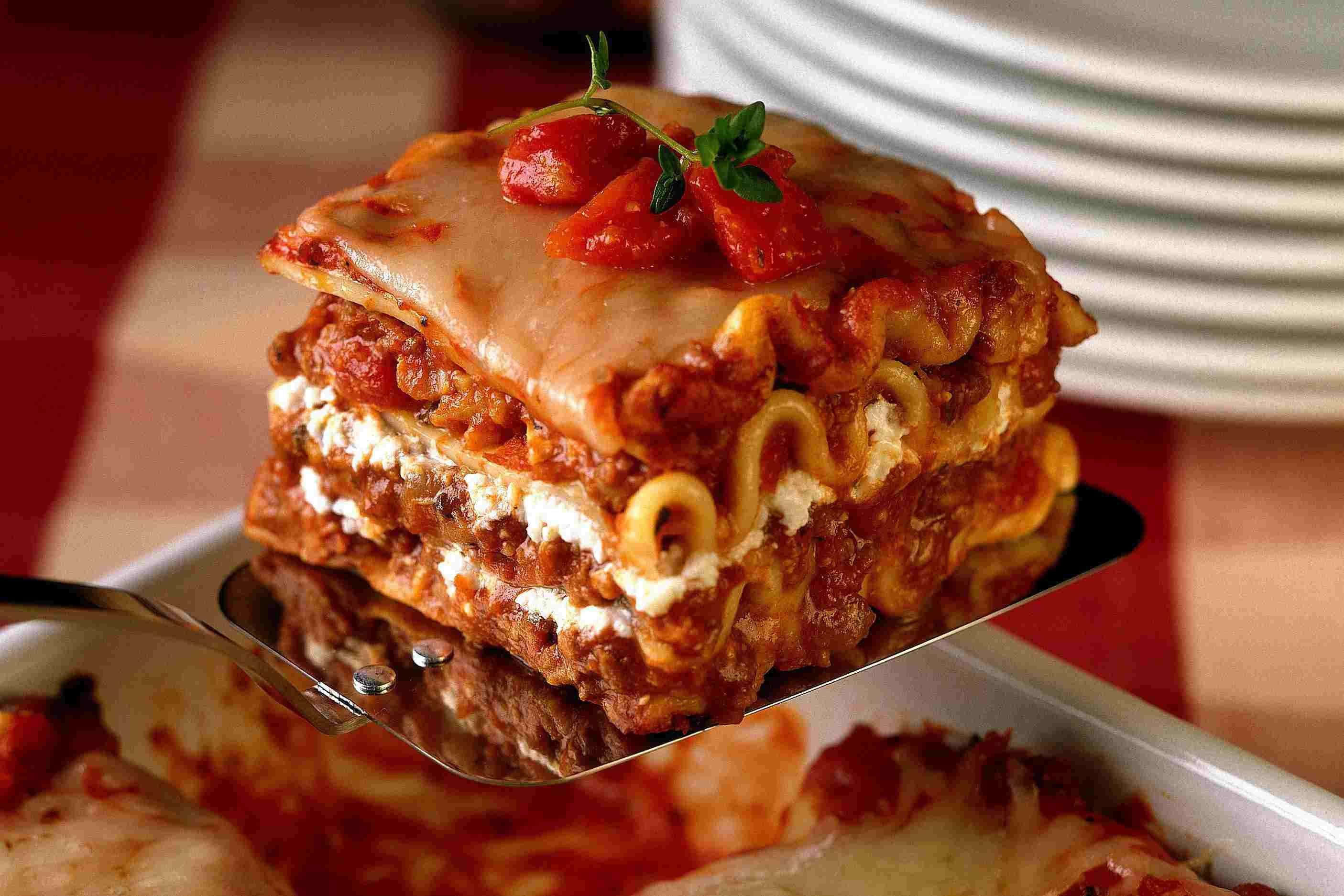 Lasagna Sauce Recipe  25 Lasagna Recipes Your Family Will Love
