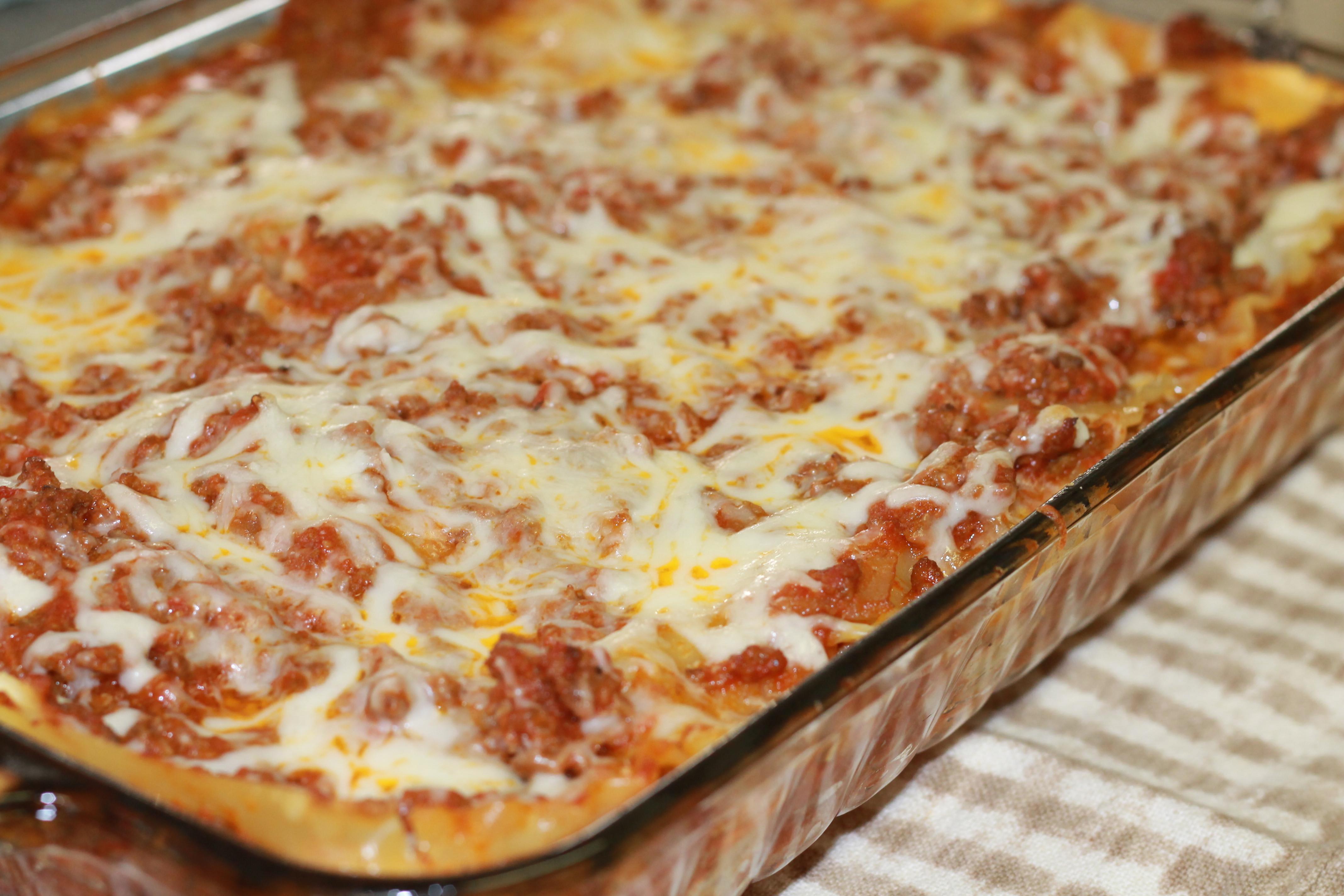 Lasagna Sauce Recipe  Classic Lasagna Hall Nesting