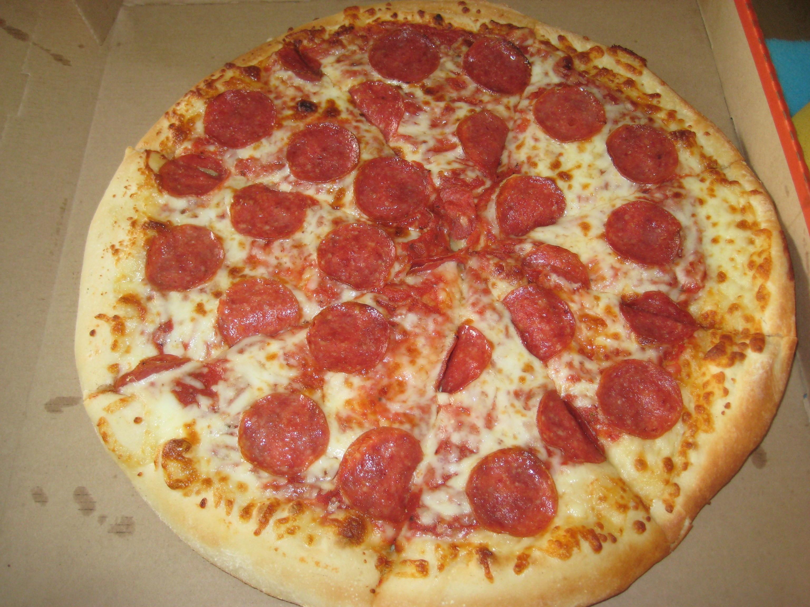 Little Caesars Hot-N-Ready Extramostbestest Pizza, Pepperoni  Getting Hot N Ready at Little Caesars – The Unvegan