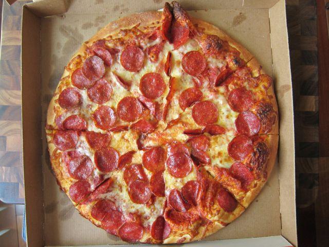 Little Caesars Hot-N-Ready Extramostbestest Pizza, Pepperoni  Review Little Caesars ExtraMostBestest Pizza