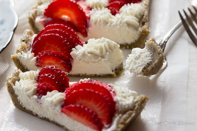 Low Carb Desserts With Cream Cheese  No Bake Sugar Free Strawberry Cheesecake Tart low carb