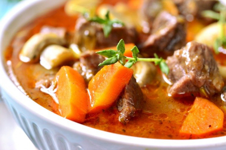 Low Fat Slow Cooker Recipes  by SkinnyMs