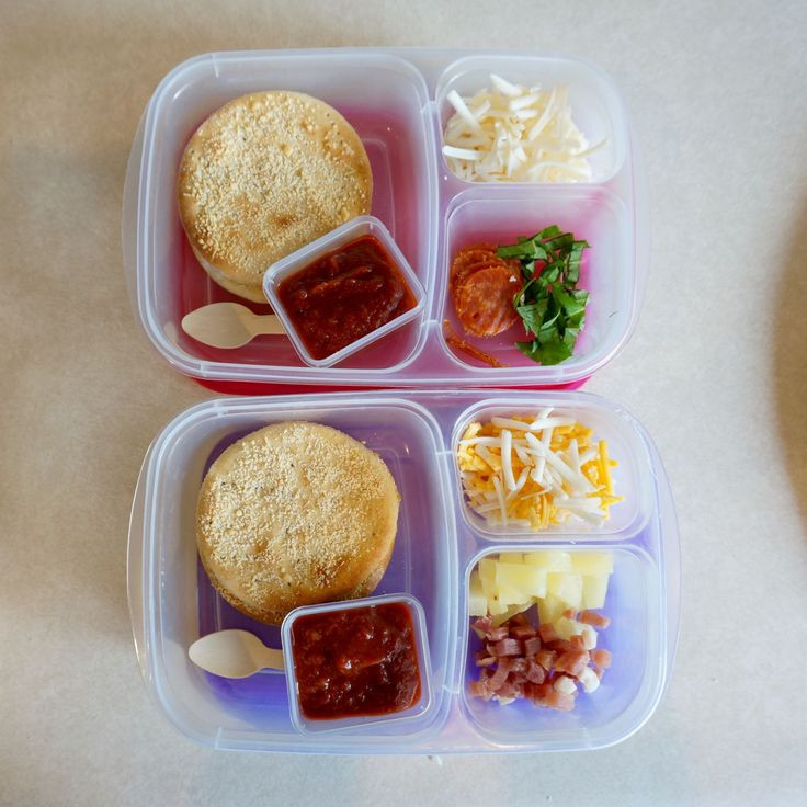 Lunchables Dessert Pizza  How to make Homemade Pizza Lunchables LOTS of topping