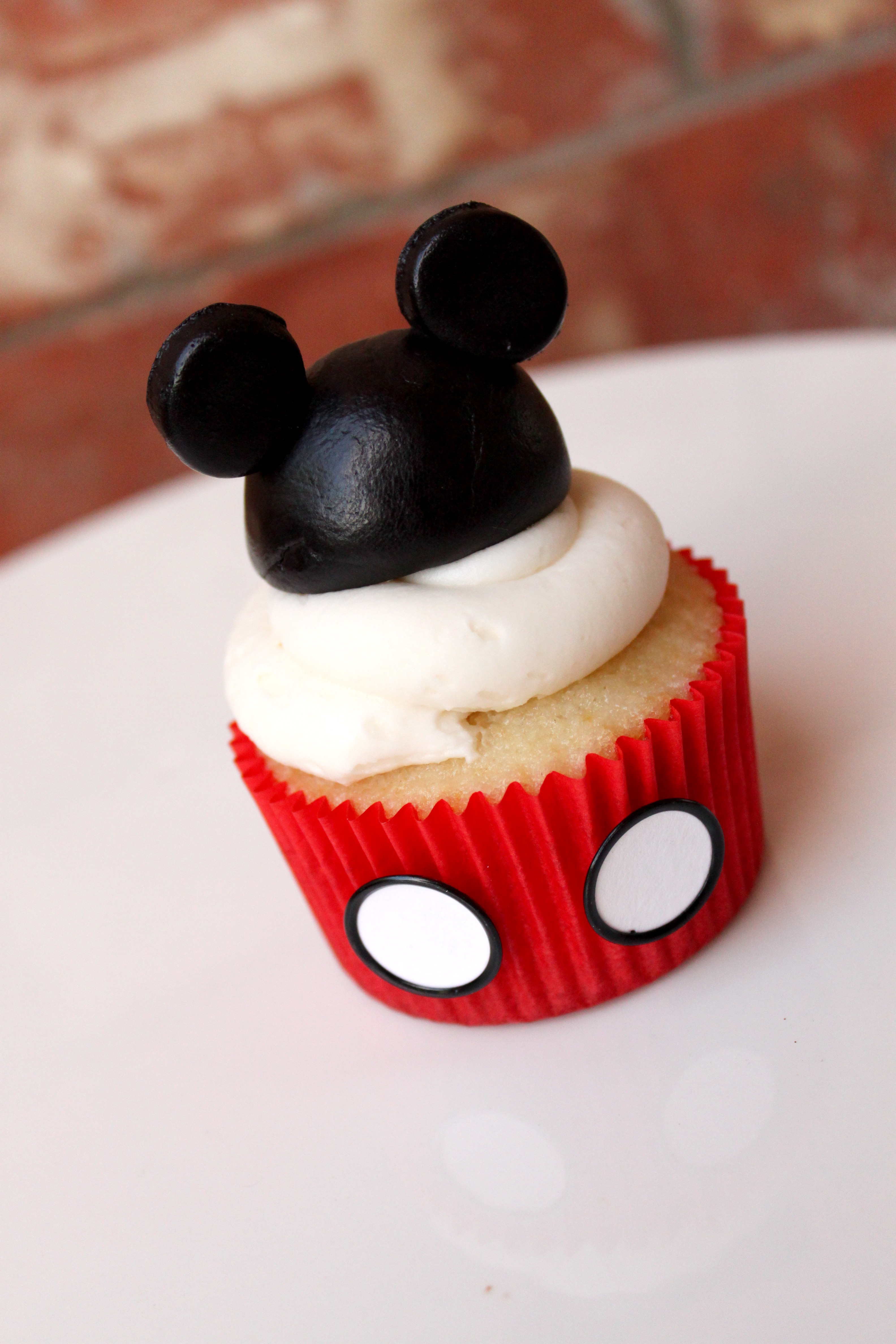 Mickey Mouse Cupcakes  Mickey Mouse Cake and Cupcakes