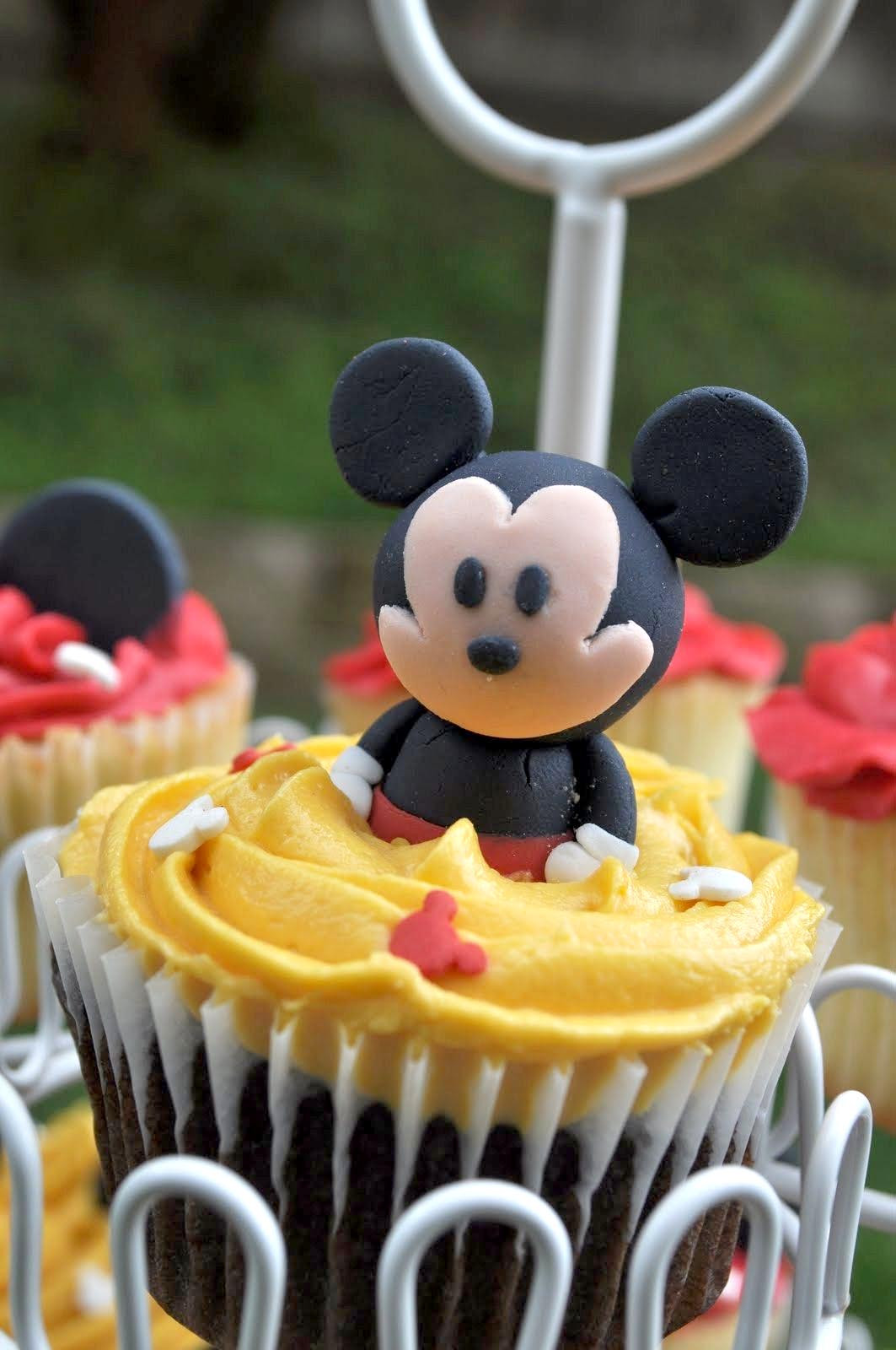 Mickey Mouse Cupcakes  Whisk Upon A Star Behind The Cupcakes Hey Mickey