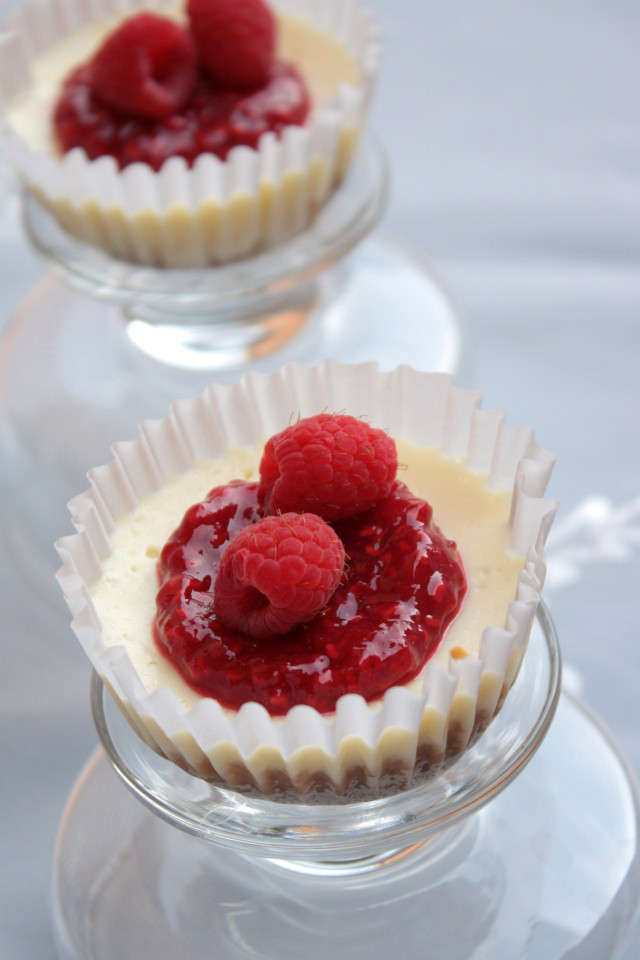 Mini Cheesecake Cupcakes  Cheese cupcakes Cheesecake cups Mini cheesecakes