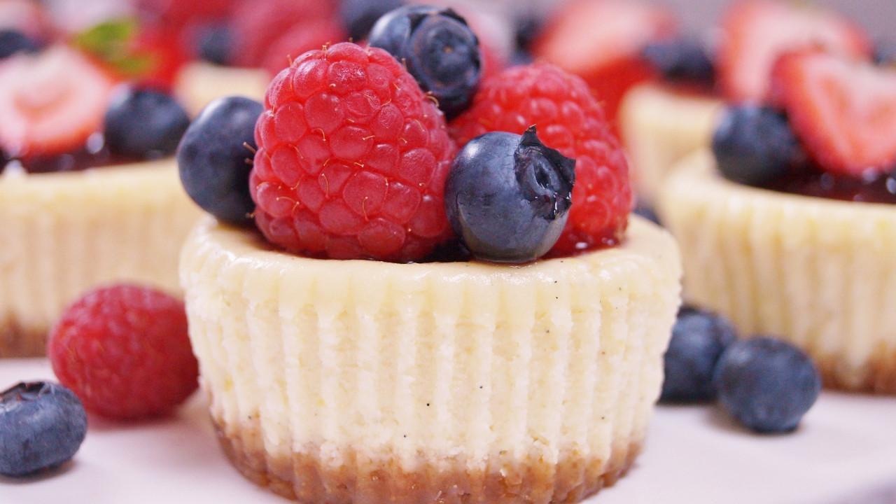 Mini Cheesecake Cupcakes  Mini Cheesecakes