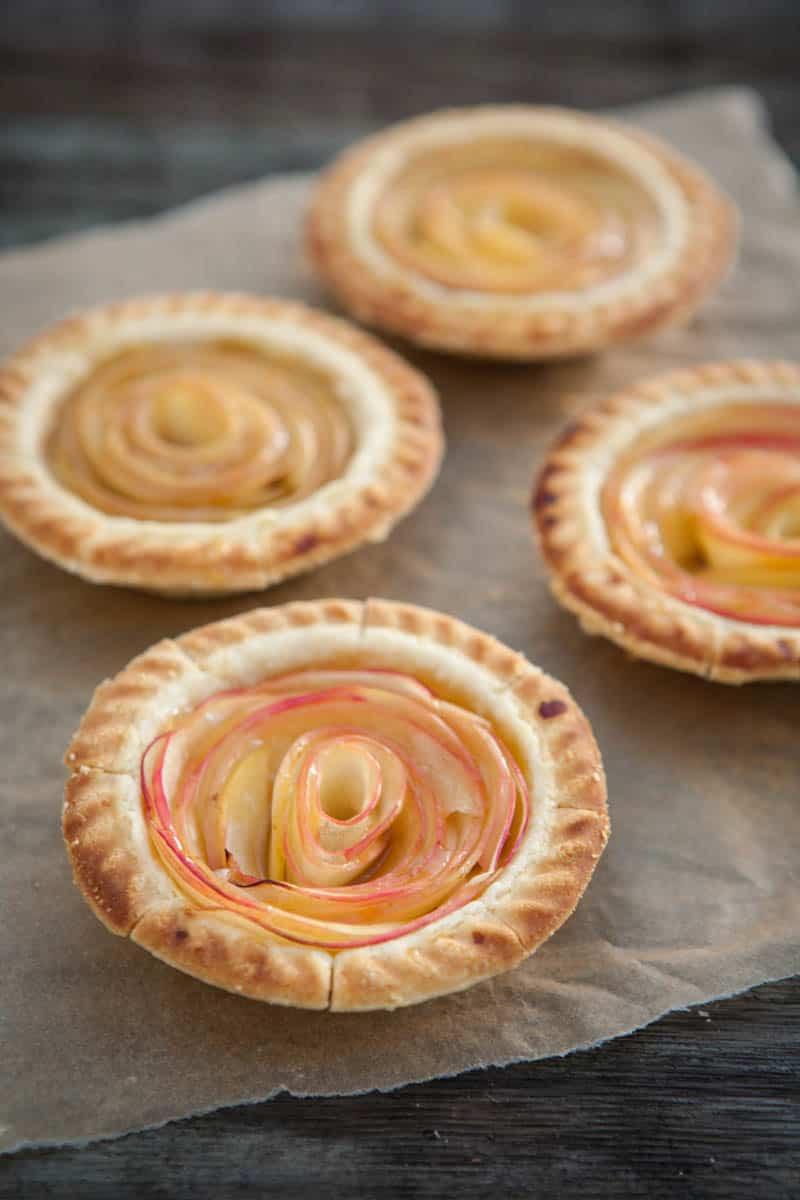 Mini Pie Recipes  Eclectic Recipes Rose Apple Mini Pies