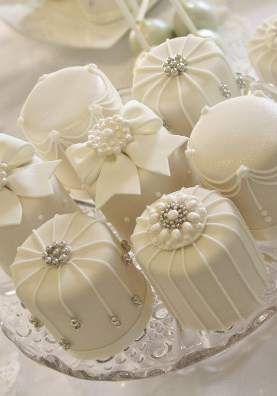 Mini Wedding Cakes  Cake Mini White Cakes Weddbook