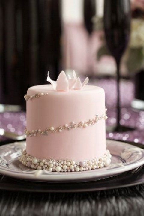 Mini Wedding Cakes  The Latest Wedding Trend 50 Individual Wedding Cakes