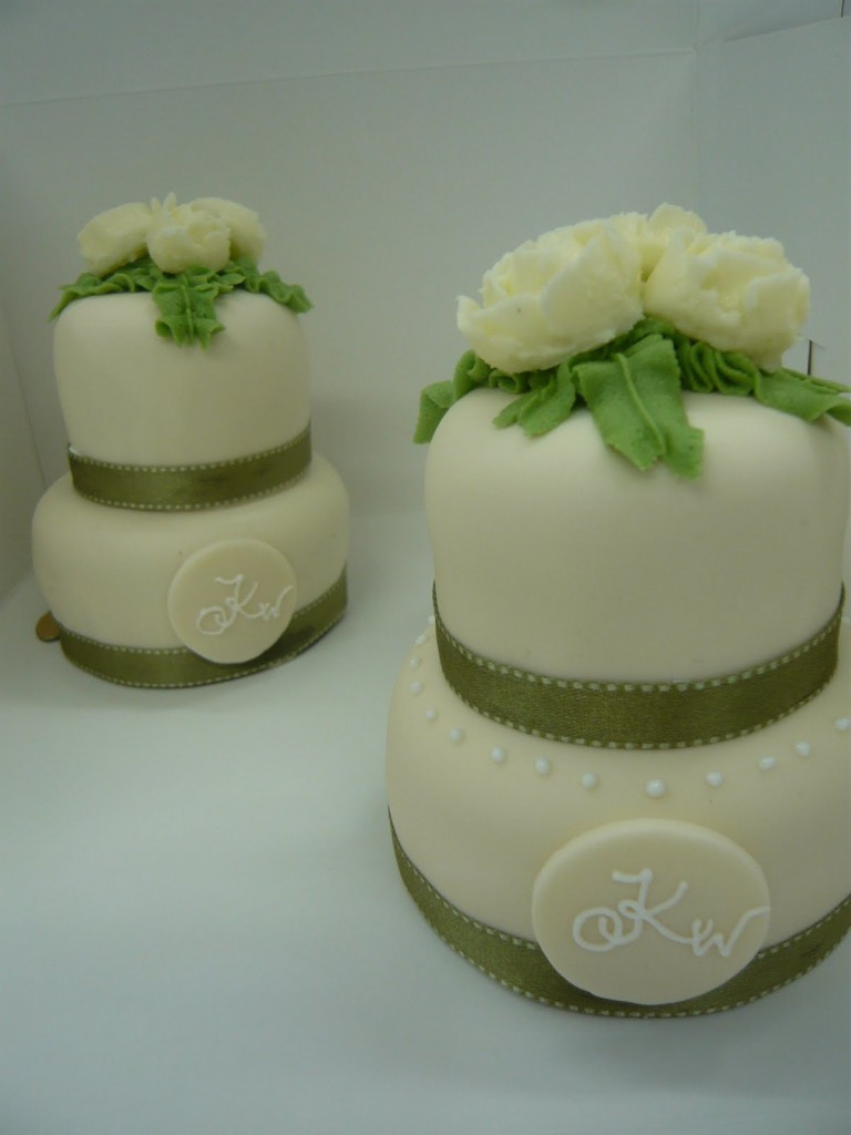 Mini Wedding Cakes  Mini Wedding Cakes
