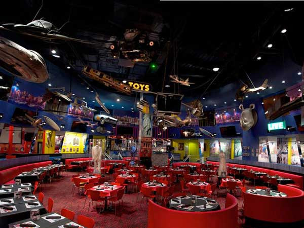New Year'S Eve Dinner Nyc 2018  2018 New Year's Eve at Planet Hollywood in Times Square