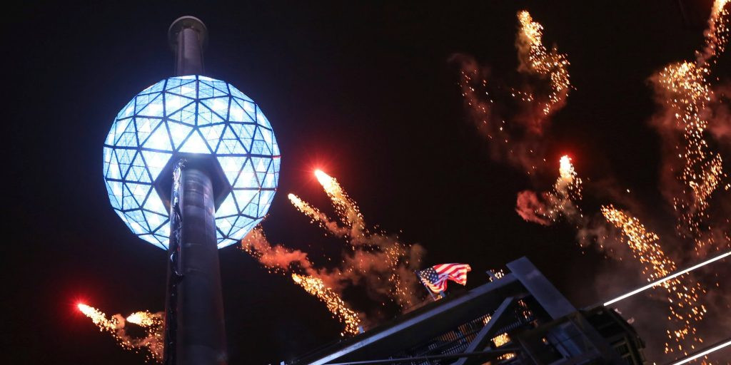 New Year'S Eve Dinner Nyc 2018  Times Square New Year s Eve Ball Drop History Cruises