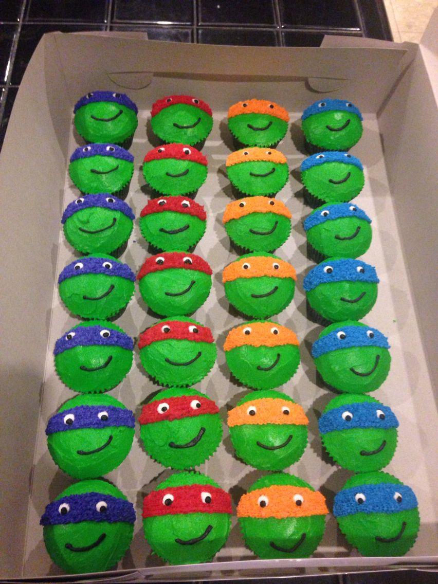 Ninja Turtle Cupcakes  Awesome Ninja Turtle Cupcakes with Splinter and Shredder