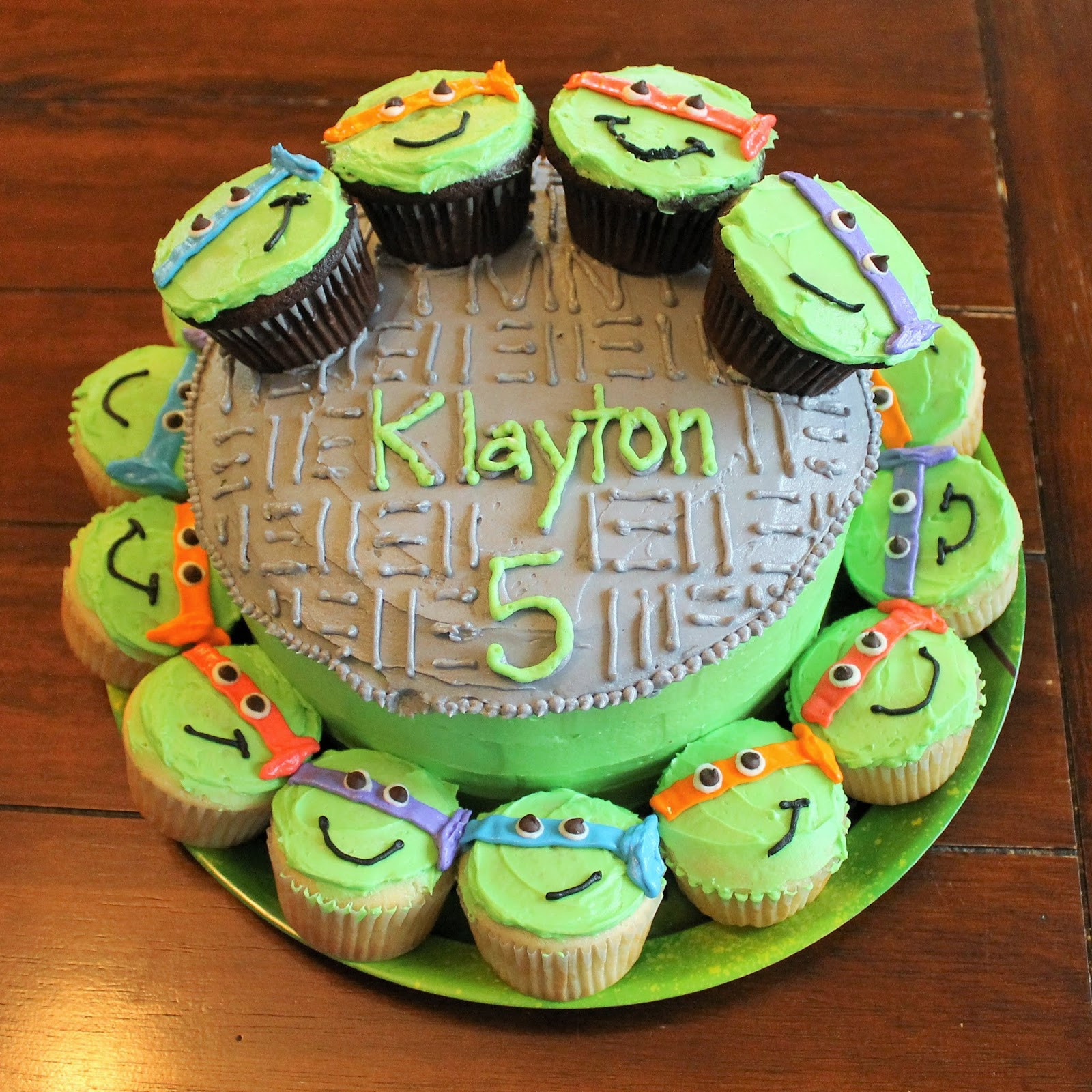 Ninja Turtle Cupcakes  Corn Beans Pigs and Kids Shell a brating LP s 5th