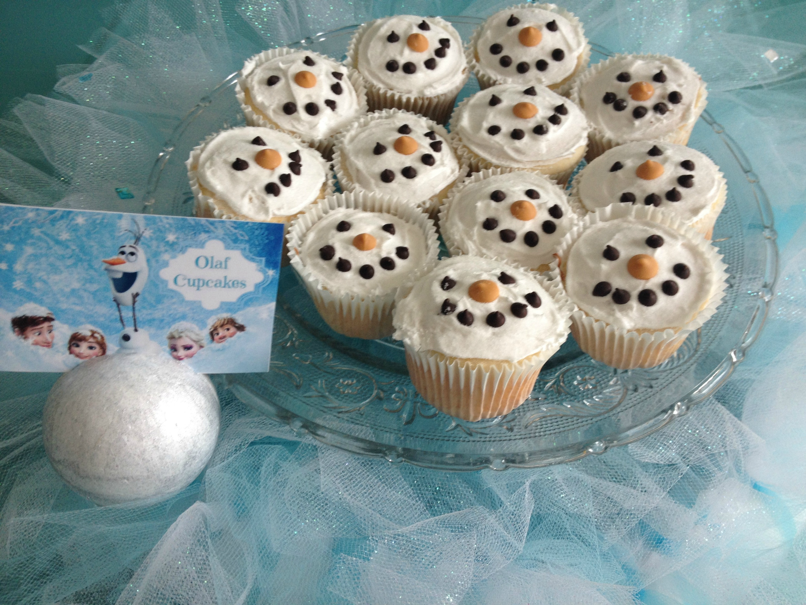 Olaf Cupcakes Cake  How To Make The Easiest Disney Frozen Olaf Cupcakes