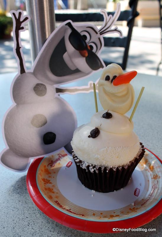 Olaf Cupcakes Cake  olaf cupcake