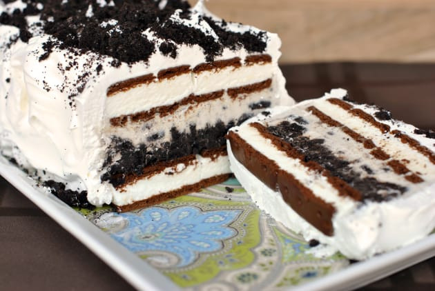 Oreo Ice Cream Dessert  Oreo Ice Cream Cake Recipe Food Fanatic