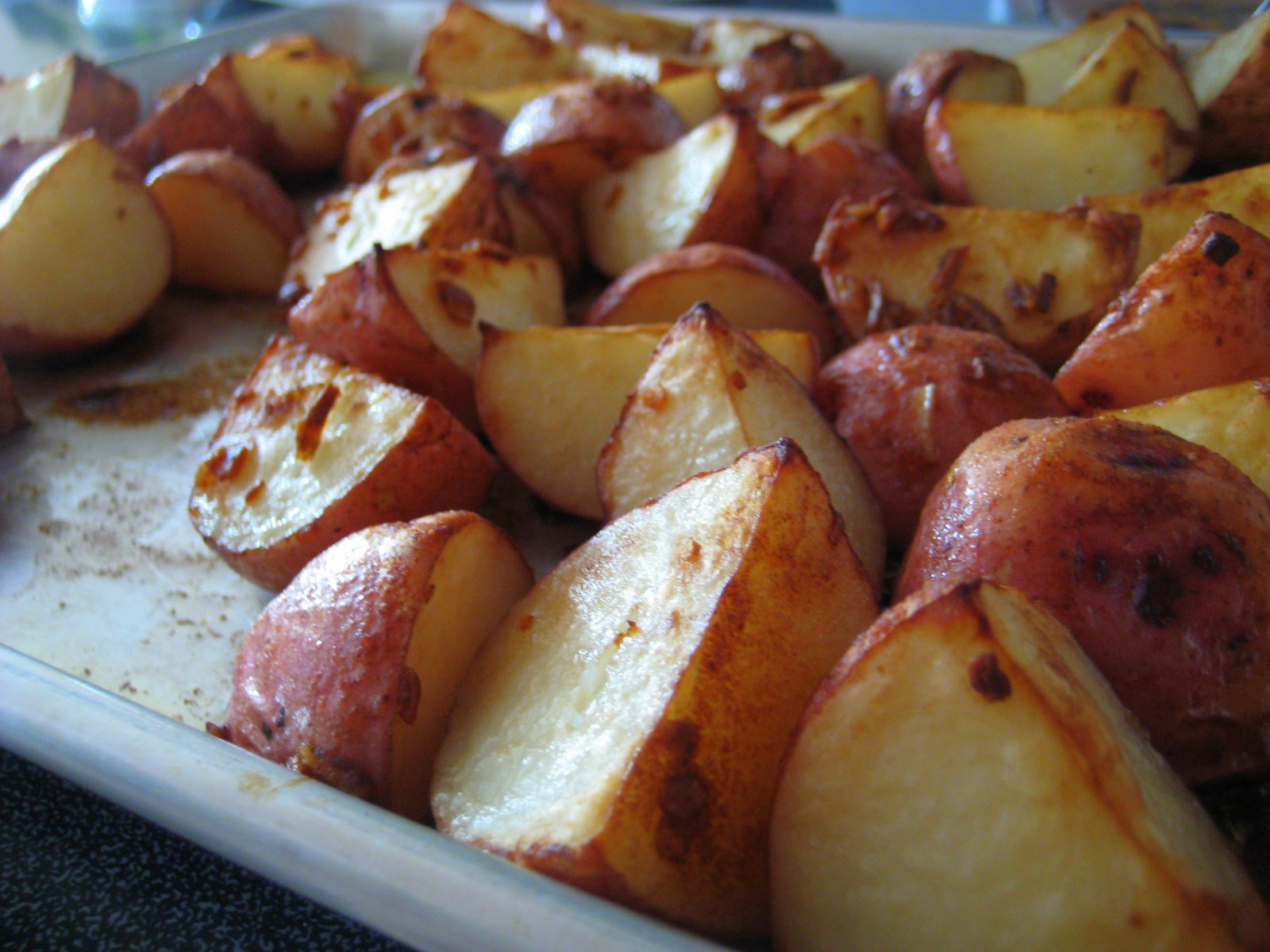 """Oven Roasted Red Potatoes  """"Put a Lyd on it """" Oven Roasted Red Potatoes"""