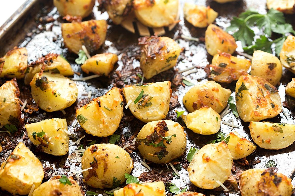 Pan Roasted Potatoes  Garlic Parmesan Pan Roasted Potatoes Gal on a Mission