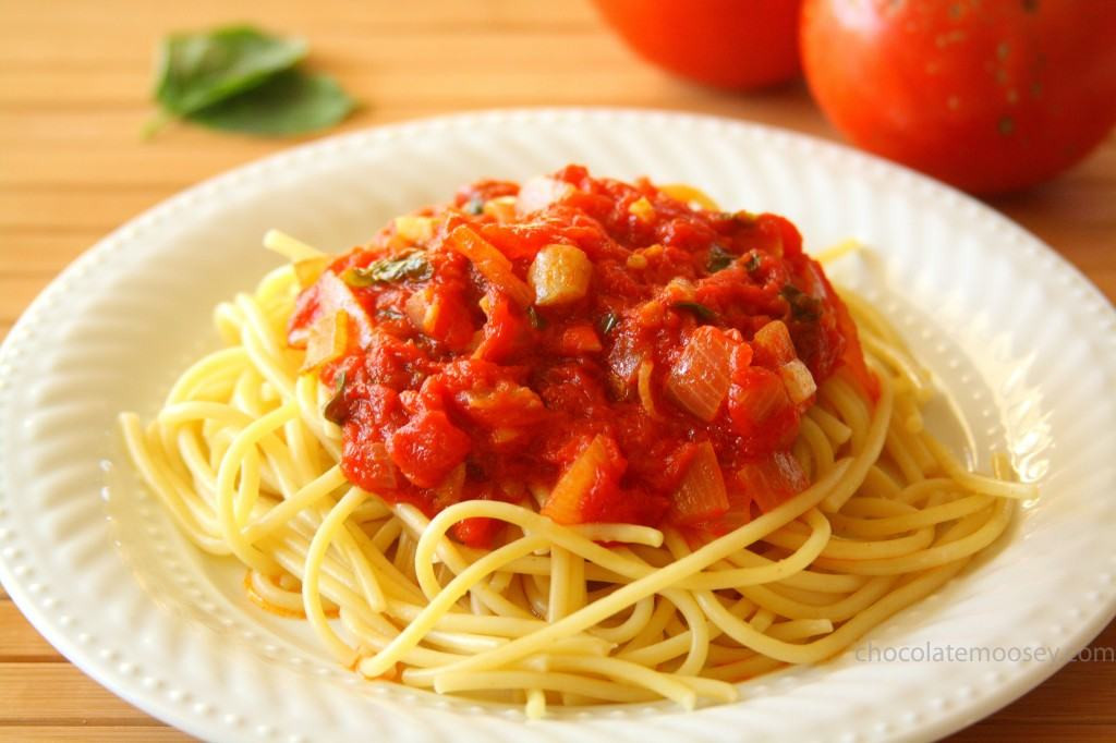 Pasta With Tomato Sauce  spaghetti sauce from fresh tomatoes