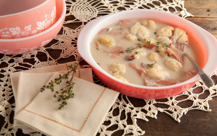 Paula Deen Chicken And Dumplings  chicken and flat dumplings paula deen