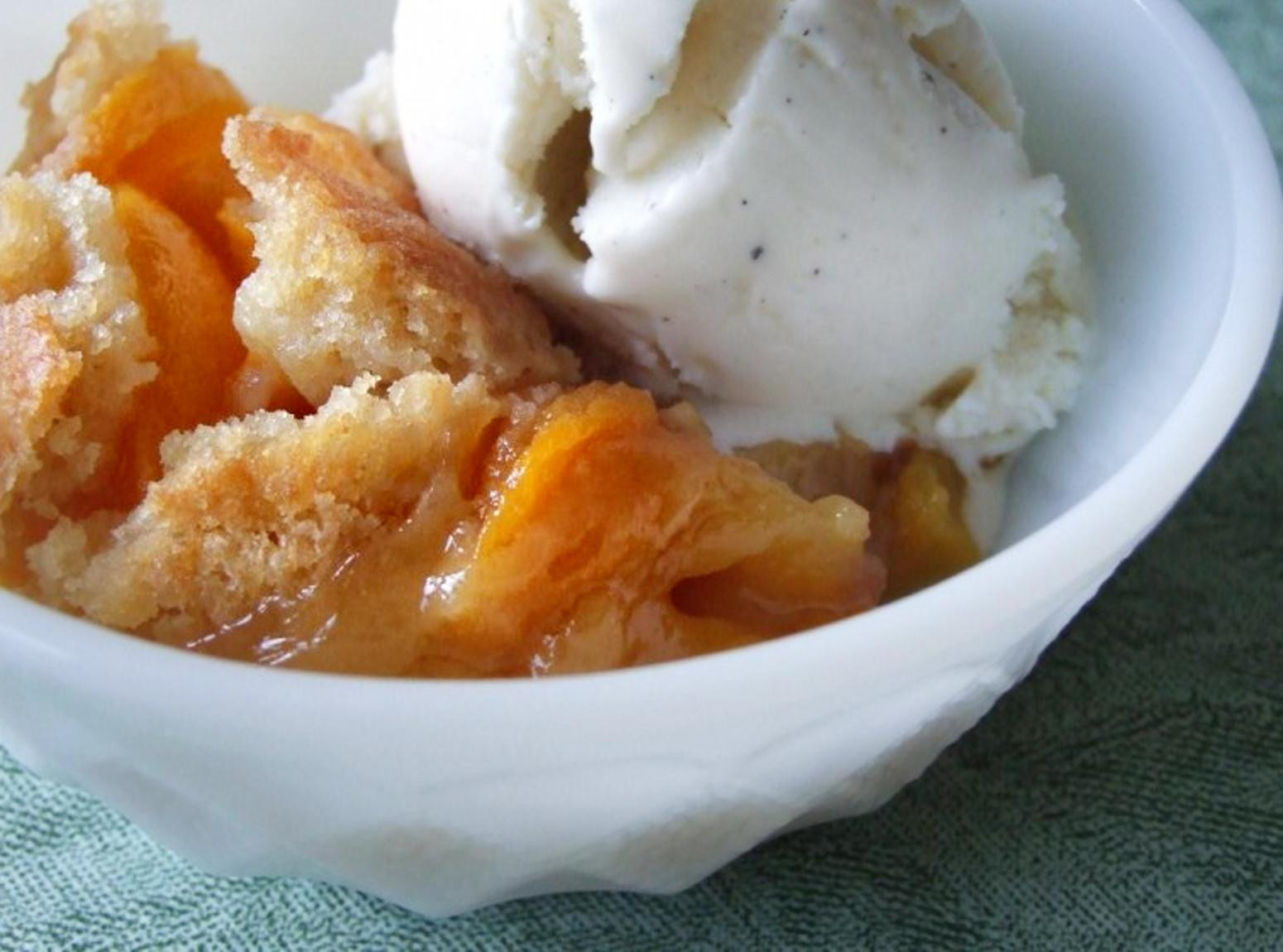 Peach Desserts Easy  Easy Peach Cobbler Recipe 3