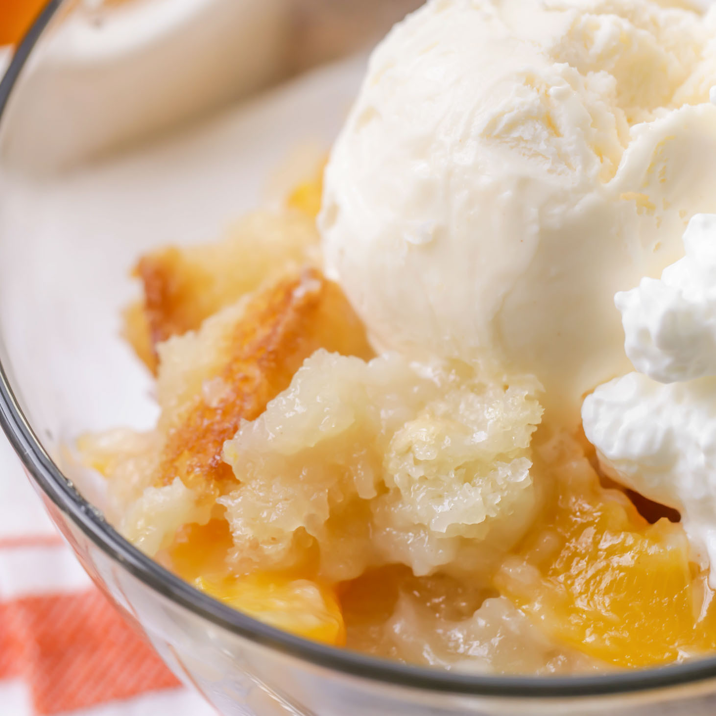 Peach Desserts Easy  EASY Peach Cobbler Recipe Just 5 Minutes of Prep Time