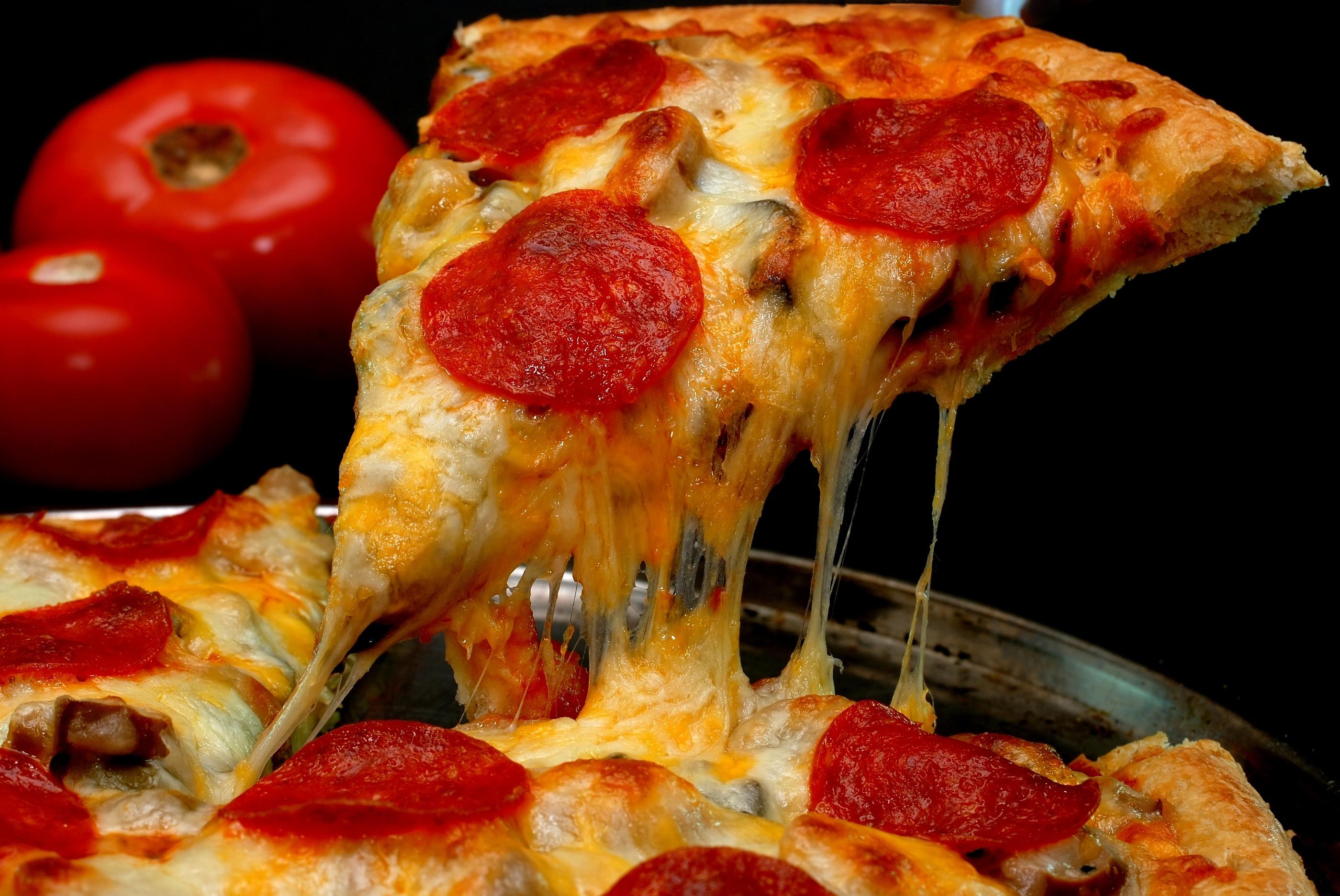 Pepperoni Pizza Slice  Pizza ai peperoni o pepperoni pizza — BUTAC Bufale un