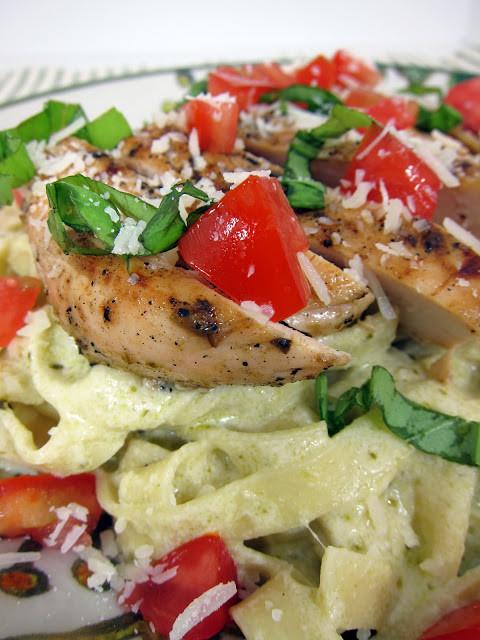 Pesto Alfredo Sauce  Chicken Pesto Alfredo